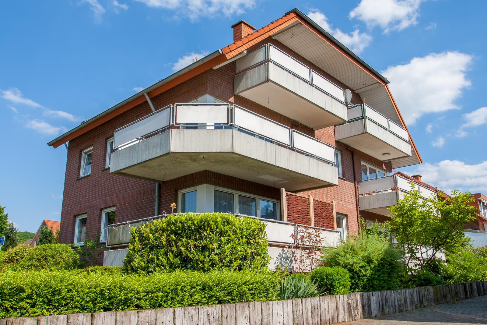 ger umige 4 zimmer maisonette wohnung mit zwei balkonen und ber 100 m wfl farthmann immobilien. Black Bedroom Furniture Sets. Home Design Ideas